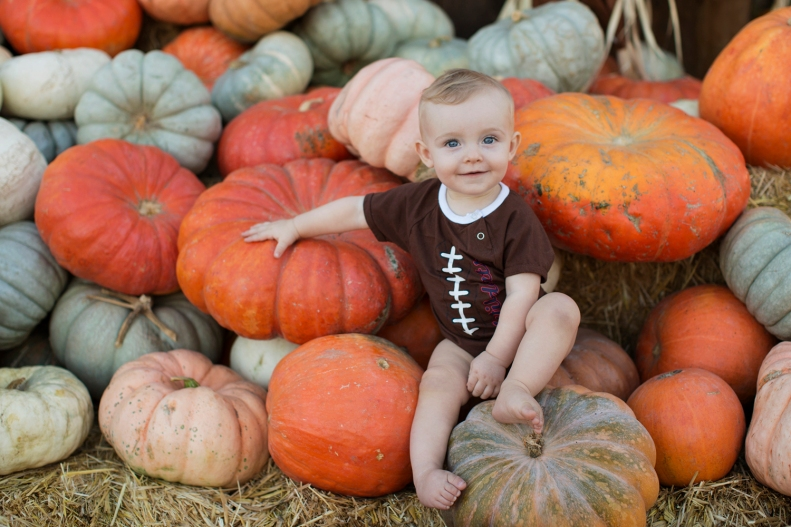 10-31-18 Brenden & Pumpkins